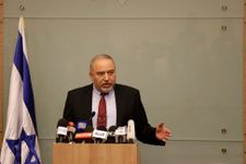 Liberman resigns as defense minister, says Gaza ceasefire 'surrender to terror'