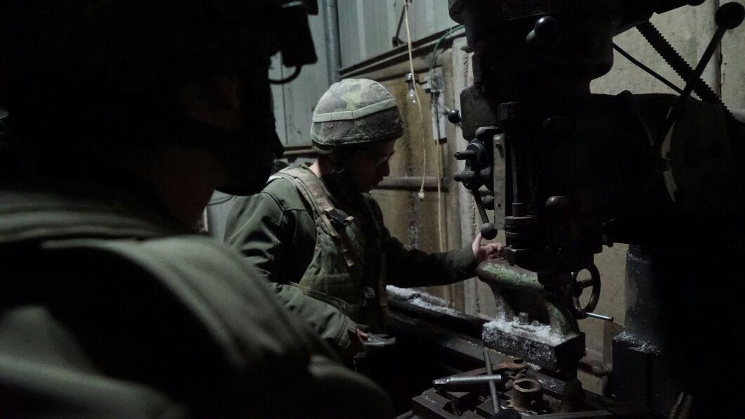 L'armée israélienne démantèle un réseau illégal de trafic d'armes à Hébron