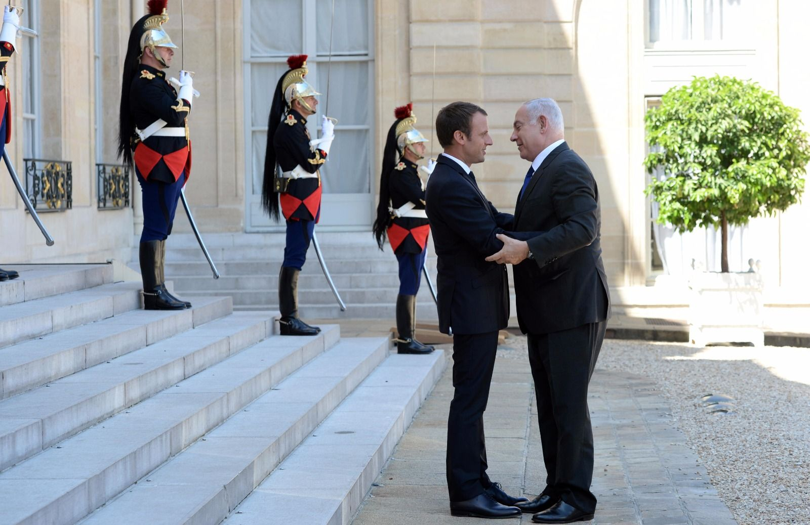 Netanyahu honors French-Jewish WWII victims