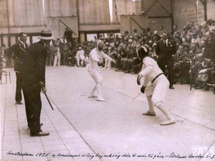 Fencer Attila Petschauer competes in Amsterdam, 1928