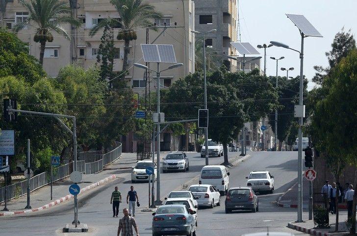 L'aviation israélienne frappe la bande de Gaza en représailles, des blessés