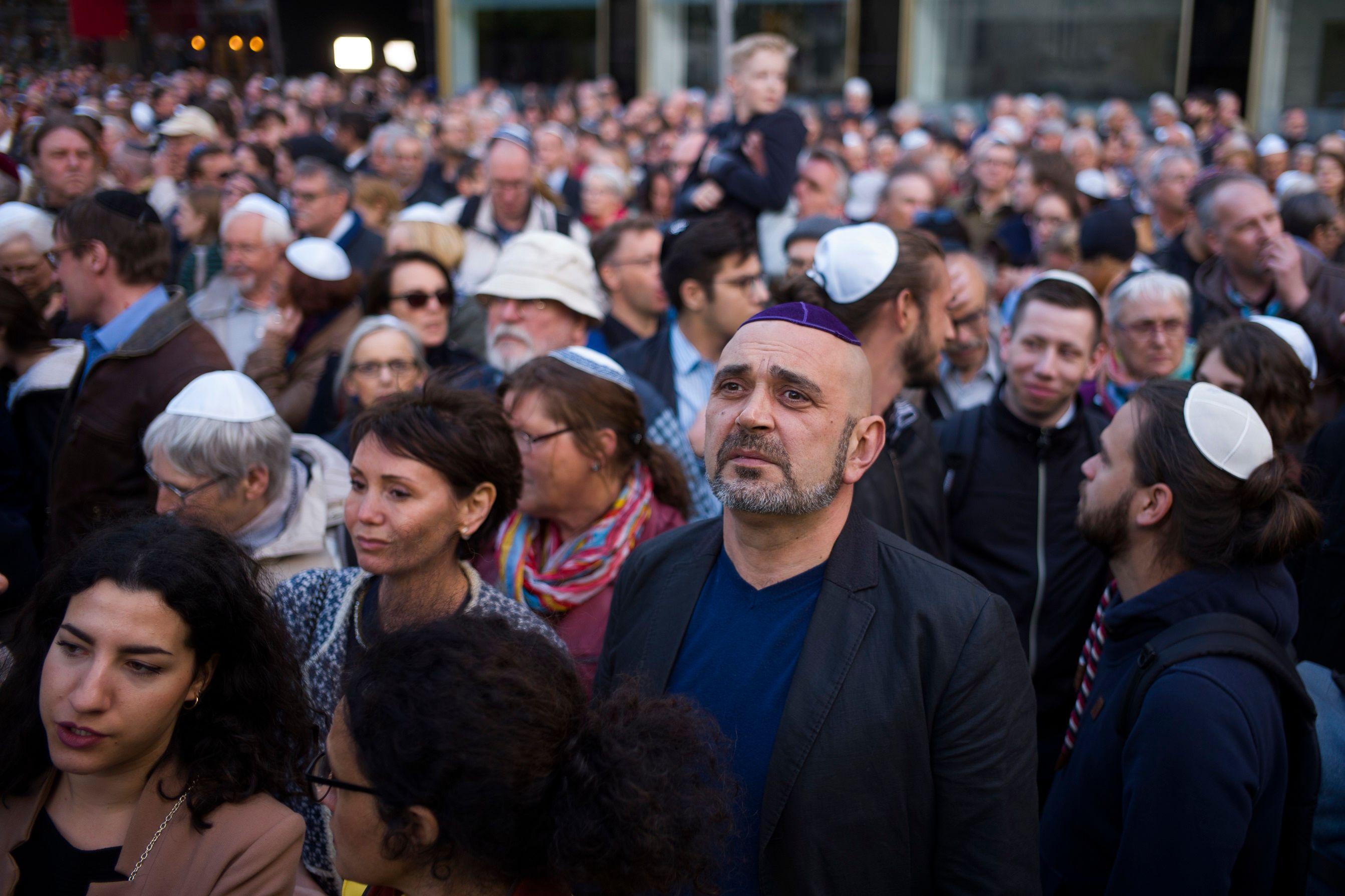 I24news Eu Encourages Members To Use Ihra Anti Semitism border=
