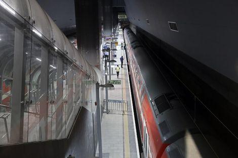 La nouvelle ligne de train à grande vitesse entre Jérusalem et Tel-Aviv a été inaugurée jeudi
