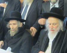 Israël: des milliers de personnes aux funérailles du rabbin Shmuel Auerbach