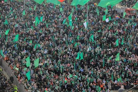 Sea of green: 500,000 Palestinians gather in Gaza for Hamas anniversary rally