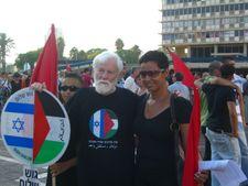Israeli peace activist, writer, and politician Uri Avnery dies at 94