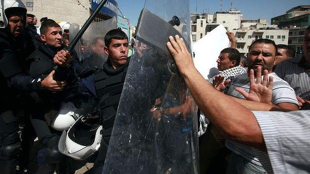 Palestinian policeman killed in arrest of suspect on PA's 'most wanted' list