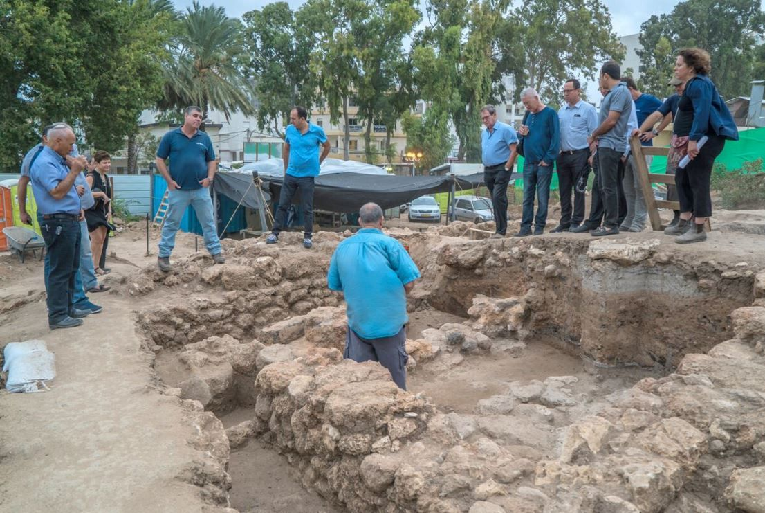 The director of the Israel Antiquities Authority, Mr. Israel Hasson, and representatives of the  Kochav Company during a tour of the site