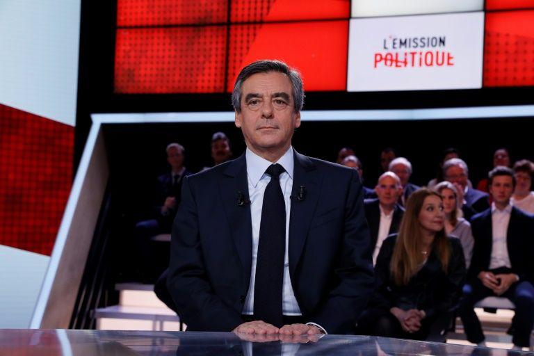 """Fillon """"met en cause"""" Hollande dans les fuites sur ses affaires"""
