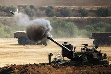 """المدفعية الإسرائيلية تقصف أهدافا في جنوب لبنان ردا على صواريخ """"الكاتيوشا"""""""