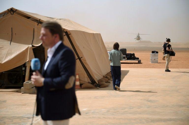 Pour son premier voyage hors d'Europe, le président Macron atterri au Mali