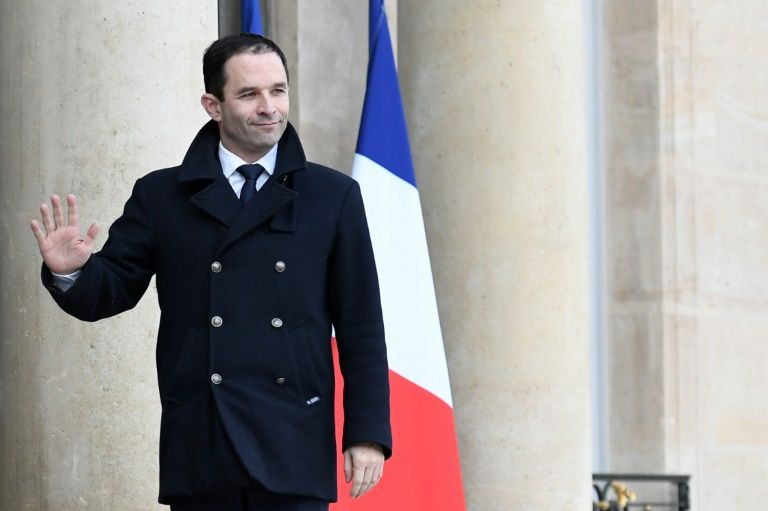 Benoit Hamon, the winner of the left-wing primaries ahead of France's 2017 presidential elections, arrives at the Elysee Palace in Paris to meet with President Francois Hollande on January 2, 2017