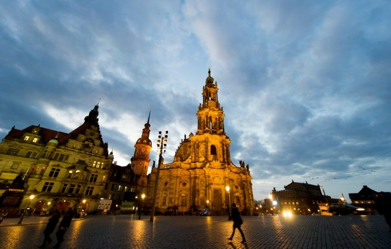 Drunk American punched for giving Nazi salute in Dresden