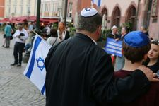 German Police mistook the victim of an anti-Semitic attack for the perpetrator