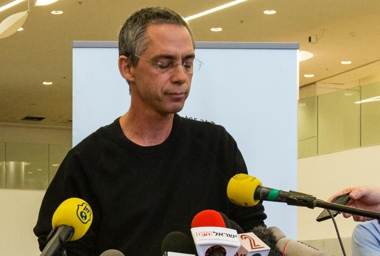 Gilad Sharon announces the death of his father, Ariel Sharon, on Jan. 10, 2014, at Tel Hashomer Hospital in Tel Aviv