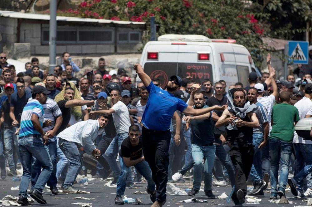 Affrontements entre des palestiniens et les forces israéliennes près de la vieille ville de Jérusalem, le 21 juillet 2017