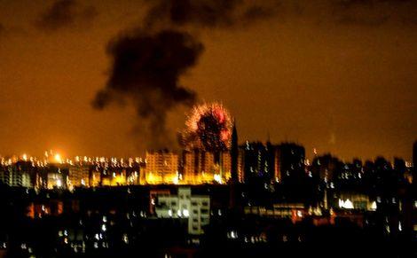 Gaza militants fire 30 rockets at Israel
