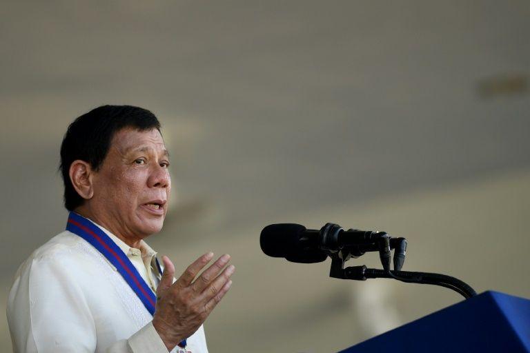 Philippines: la police abat 32 trafiquants présumés, Duterte la félicite