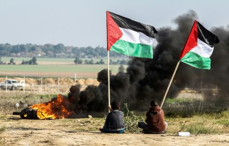 Palestinian dies from wounds a week after clashes on Gaza border: ministry