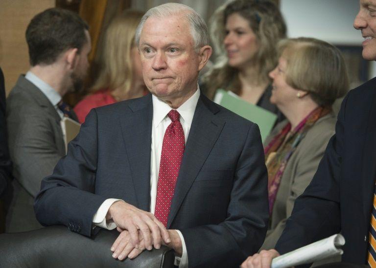 Enquête sur la campagne présidentielle: Sessions se récuse