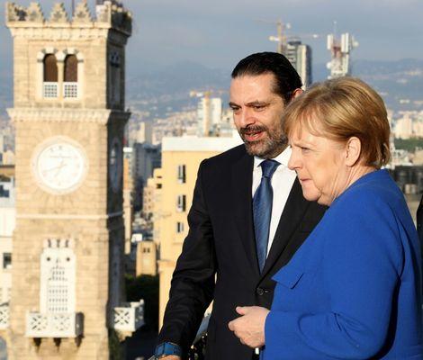 """Au Liban, Merkel exclut une """"solution"""" sur les migrants au sommet européen"""