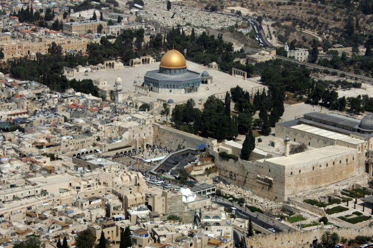 Mont du Temple: Netanyahou envisage d'autoriser la visite de ministres (rapport)