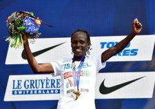 L'athlète israélienne L. Chemtai Salpeter bat le record du marathon de Florence