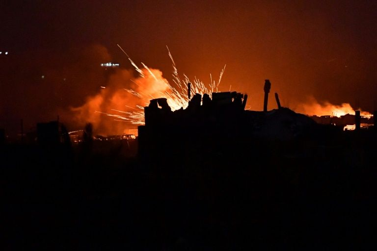 Explosions on March 17, 2019 in the remains of an Islamic State (IS) group jihadists' camp near the village of Baghouz in the eastern Syrian province of Deir Ezzor