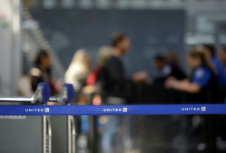 Lawmakers to airlines: Improve service or Congress steps in