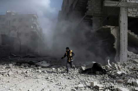Child suffocates in possible gov't chlorine attack on Syria's Ghouta: medic