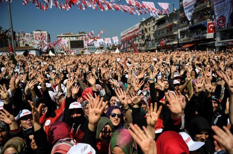 Victoire serrée pour Erdogan — Turquie