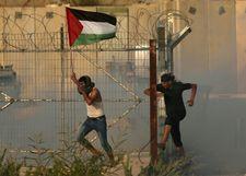 Israel detonates explosive planted on Gaza border as people crossing re-opens