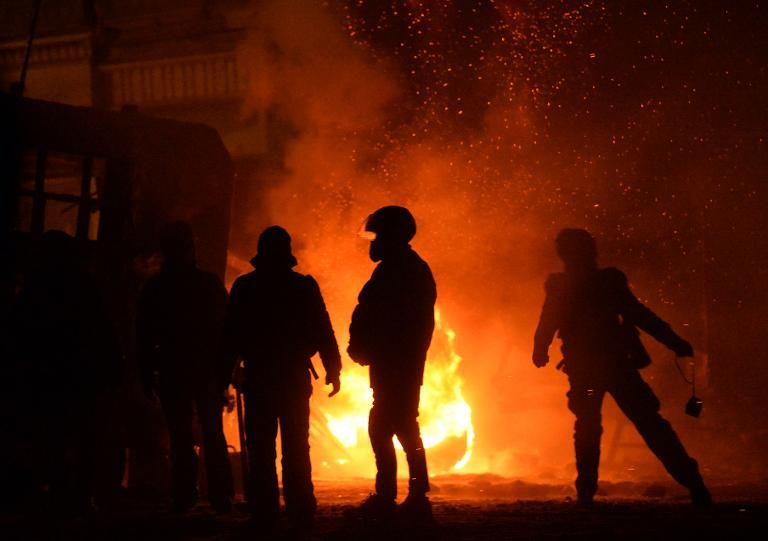 Ukrainian protesters clash with police in central Kiev, on January 21, 2014