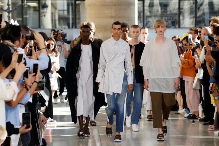 Le créateur de mode israélien Hed Mayner, ou l'art de revisiter les uniformes
