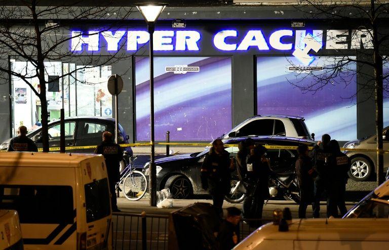 HyperCacher: interpellation de 10 personnes soupçonnées d'avoir fourni des armes