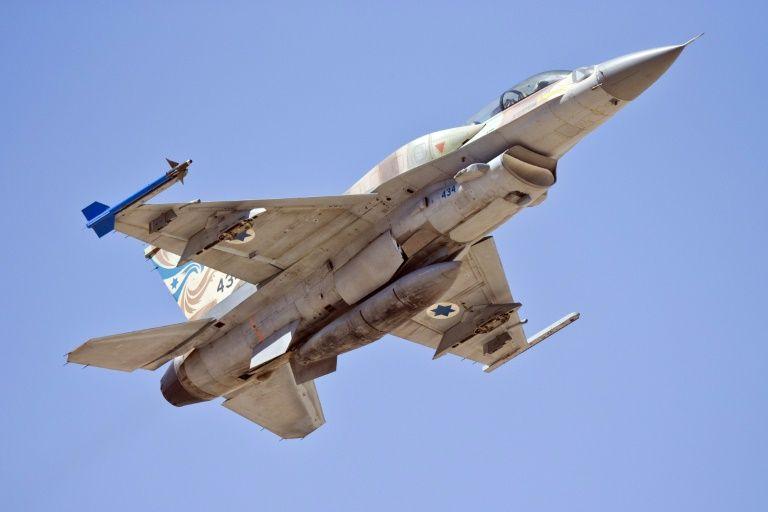L'armée de l'air israélienne frappe des positions du Hamas en riposte à un tir
