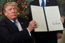 At Hanukkah reception, Trump celebrates Jerusalem decision