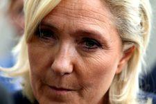 France: la justice ordonne un examen psychiatrique de Marine Le Pen