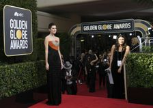 Allison Williams was one of the early arrivals at the 75th Golden Globe Awards -- and she heeded the industry's call to wear black in support of sexual harassment victims