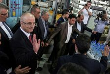 Palestinian prime minister Rami Hamdallah visits a water desalination plant in Gaza on October 5, 2017 during a four-day visit aimed at reconciliation between Palestinian factions