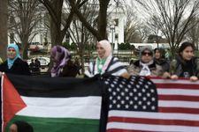Des prières musulmanes devant la Maison Blanche contre la décision de Trump