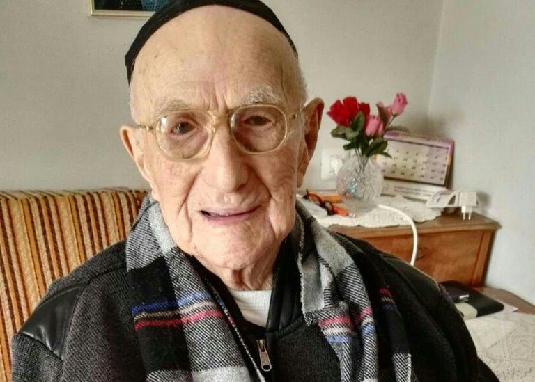 Yisrael Kristal was recognised as the world's oldest man by Guiness World Records in March 2016 Shula Kopershtouk