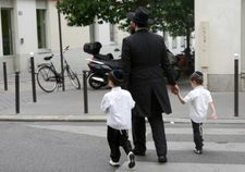 Anti-Semitic acts up 69% in France this year, PM says