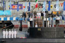 L'Iran lance un sous-marin capable de tirer des missiles de croisière