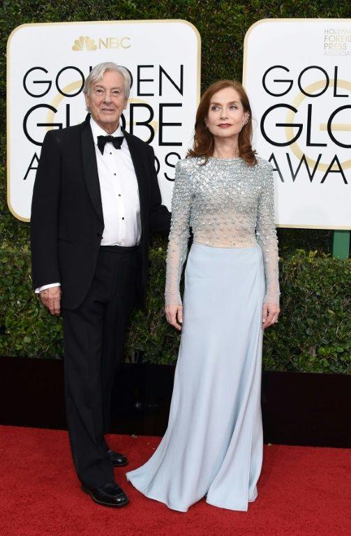 Isabelle Huppert et Paul Verhoeven à leur arrivée à la cérémonie des Golden Globes, le 8 janvier 2017