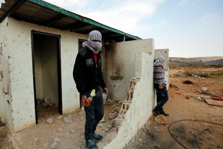 Manifestants palestiniens le 12 décembre 2015 à al-Bireh près de Ramallah
