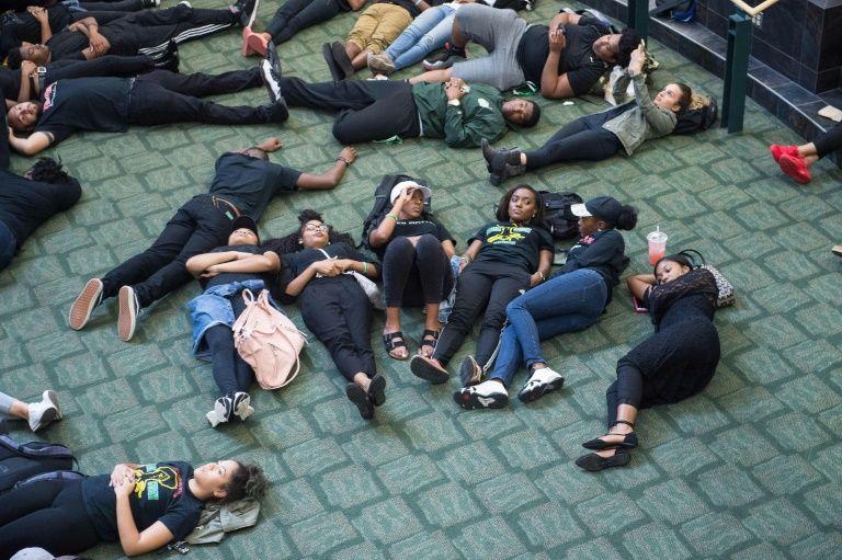 USA: tirs dans un centre commercial, au moins quatre morts (police)