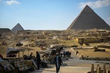 Chinese, Russians shore up Middle East tourism