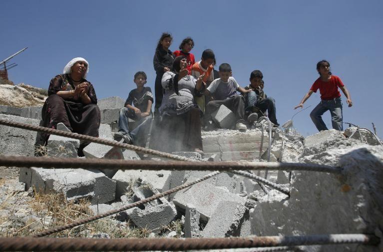 إسرائيل: محكمة العدل العليا تصدر أوامر بتجميد عملية هدم منازل منفذي الهجمات   I24News - ما وراء الحدث