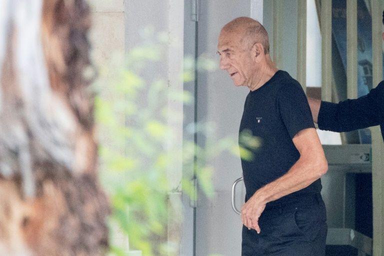 Ex-Israeli prime minister Olmert freed from prison